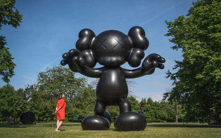 Водворе Эрмитажа установят скульптуру «Последние дни» сМикки Маусом